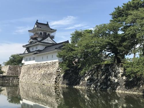 富山城跡公園です。ここにも資料展示施設があるようですが、今回はパス。