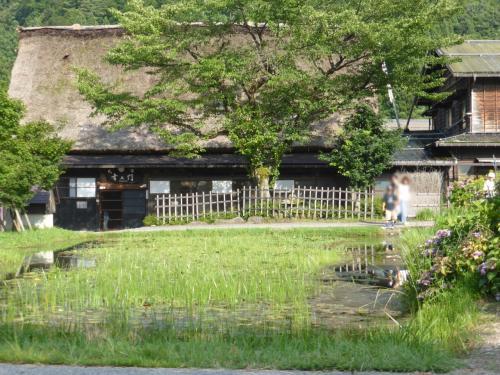 日本昔ばなしの世界というか、ひいひいひいおじいちゃんがきっとこんな所に住んでたんだろーなと思える風景に出会えます。