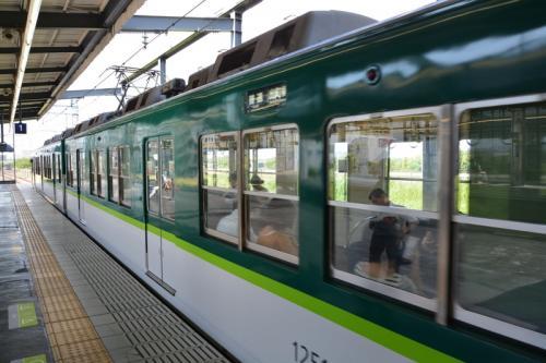 鳥羽街道駅到着 8時20分