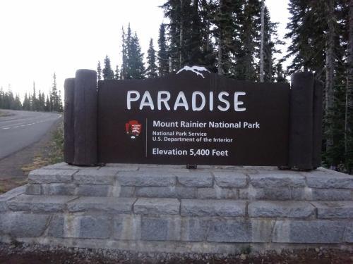 今日は1日<br /><br />パラダイスのハイキングトレイルを<br /><br />1日歩く予定です。