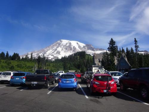 10:00am<br /><br />パラダイスのパーキングに車を駐車。<br />ほぼ満車、夏休みだわ。