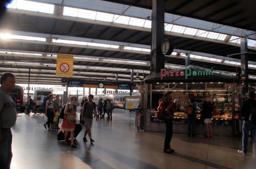 ミュンヘン中央駅のホームの様子。