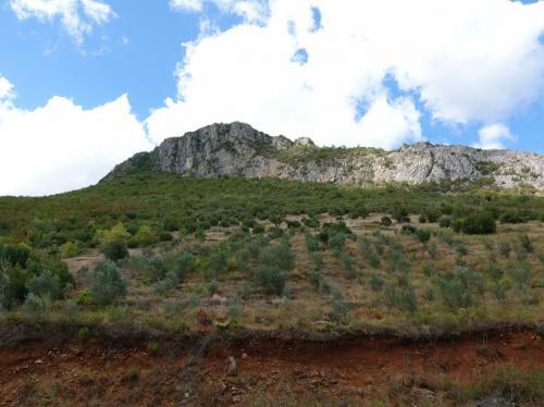 岩山。アルバニアというと、山国というイメージがあります。