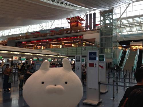 関東圏からは羽田空港か成田空港がありますが、今回は羽田空港からにしました。<br />台北を中心に回る場合は羽田空港からの方が早いです。<br />成田空港からはもっと安い便が出ていることもありますが、台北から少し離れた桃園空港へ行くので時間ロスが発生します。