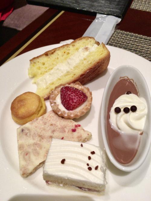 これは最後のお皿。もちろんこの他にも食べてます(^o^)
