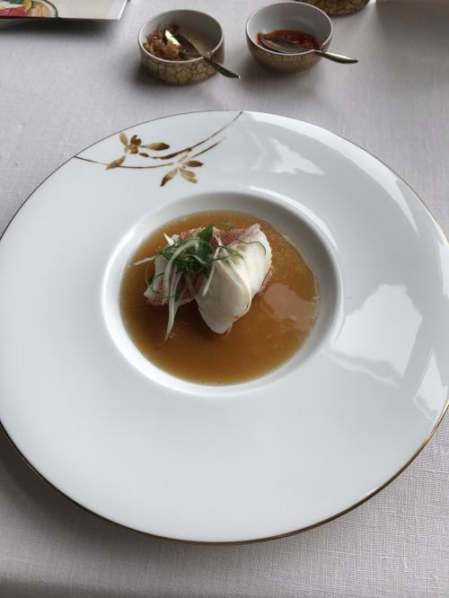 東星ハタって希少なお魚だそうです。<br />希少かどうかは別としても、淡白な身はプリプリしていて、しっかりとした味付けがたまりません!