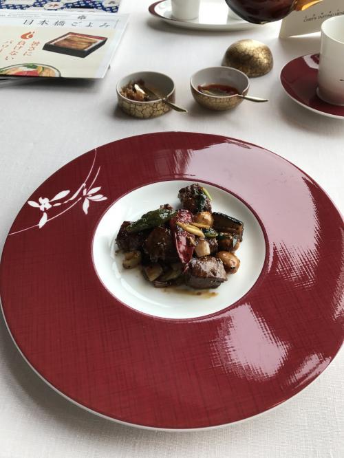 美味しいお肉です…さすが和牛ですね!<br />フィレ肉に黒胡椒がアクセントになって…白ご飯下さいって言いそうになりました。