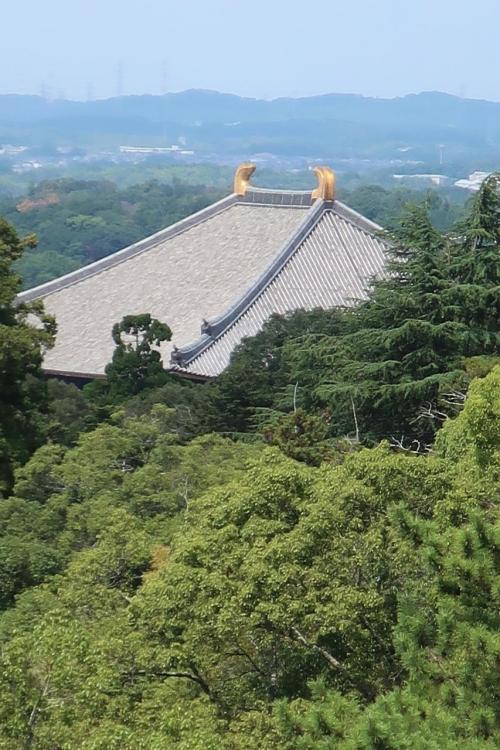 うるわしき奈良へやって来ました。<br />今夜はこの東大寺で国民文化祭開会式が開かられるのです。<br />とにかく為さることが俗世界の私からみれば神聖なのです。