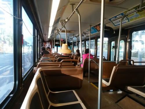 7:31 乗り換え完了!<br /><br />何番のバスだったのか、忘れました!