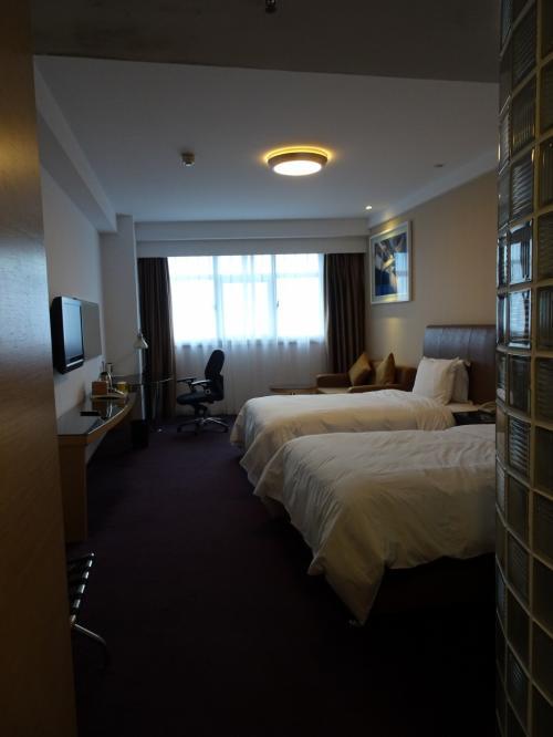 ホテルの部屋。