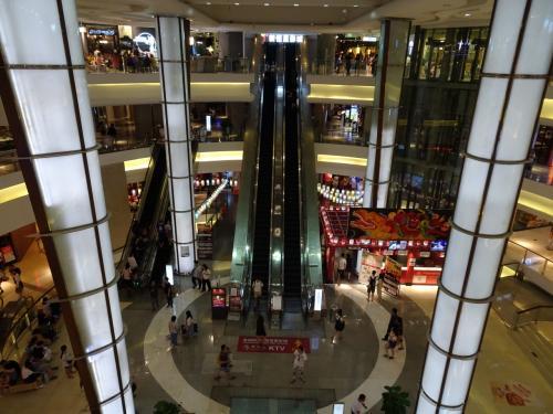日本のラーメン博物館みたいな所や、そのほか映画館や飲食店、服屋、雑貨屋など、ゆっくりみたら半日位かかりそうです。