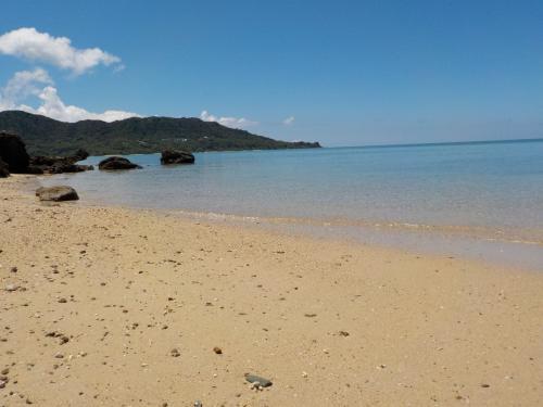 海入りた~い!!!<br /><br />でも、シャワーもないし、そもそも観光目的の旅なので海パンはいてないし……<br /><br />しばし眺めるだけで。