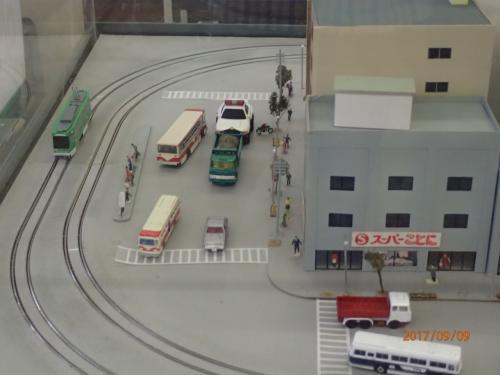 模型の電車は実際に動きました。