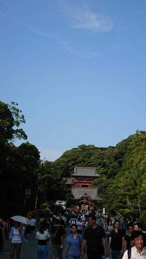 鶴岡八幡宮、すごい人です
