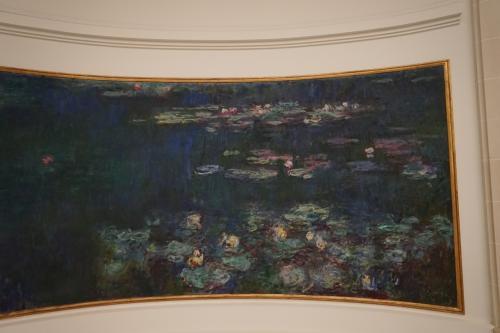 オランジュリーを代表する作品である「睡蓮」は、クロード・モネの最後にして最大の作品です。