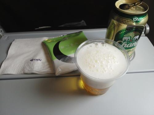 離陸後は空で乾杯~♪(´▽`)ノ