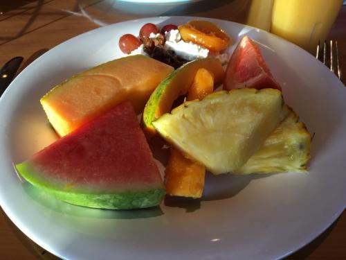 五日目!<br />恒例の朝ごはん。<br />恒例すぎるけれど、飽きない。<br /><br />毎回、毎日、どのフルーツも基本的に甘くておいしかった!