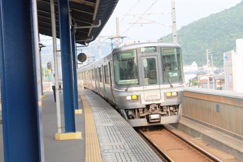 (16:54)<br />16時54分発の岡山行き、マリンライナー48号が入線してきました。<br />
