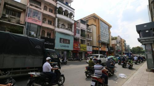 街中はバイクだらけ・・・<br />アジアですね~