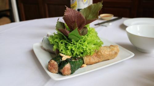街中のおしゃれなレストランで昼食<br />ベトナム料理はおいしいですね!<br />日本人の口に合うと思います
