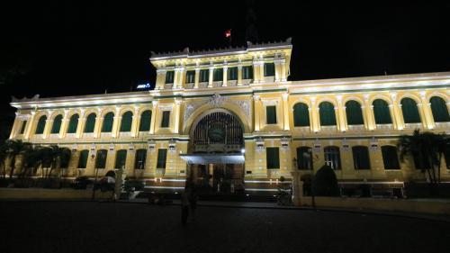 夜の中央郵便局も素敵です!