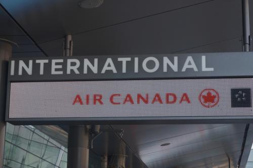 秤を持っていないかうかがうと『空港にあります♪』<br />そこで重かったら、また何か手荷物にしよう!!