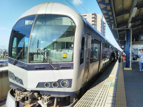 岡山と高松を結ぶ快速列車「マリンライナー」です。