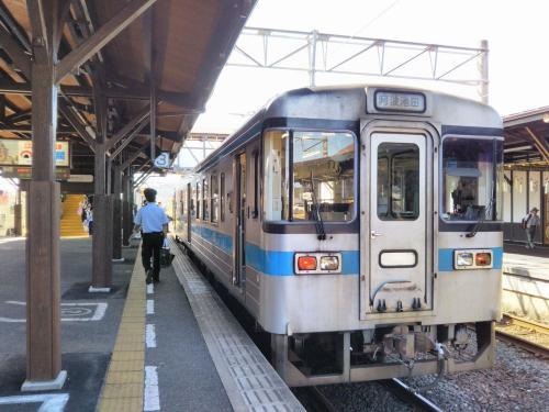 さらにローカル列車に乗り継ぎます。細かい乗り継ぎも青春18きっぷの旅ならではです。