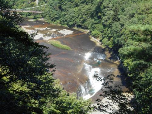 第1観瀑台から、吹割の滝を上から見ることができます。<br />第2・第3観瀑台もありましたが、第1が一番良く見えた、、<br />かもです~(´∀`*)