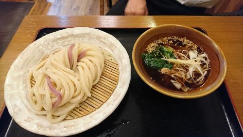 大泉学園北口徒歩2分。手打うどんのお店です 。店主こだわりの純米酒と、女将手作りの一品家庭料理も人気です。