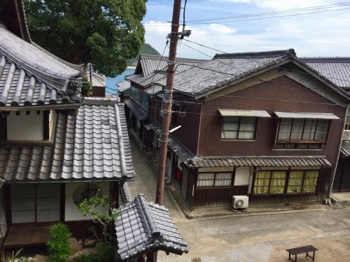 神社の上から撮った街並みです。上から見ても素敵。