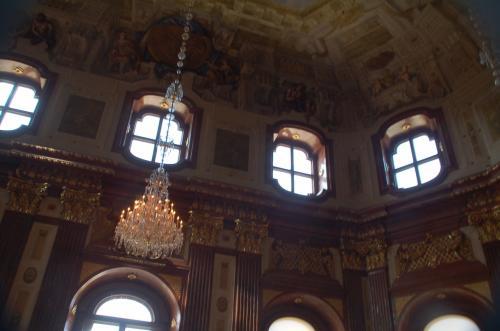 オーストリア・ギャラリーの中に入った。
