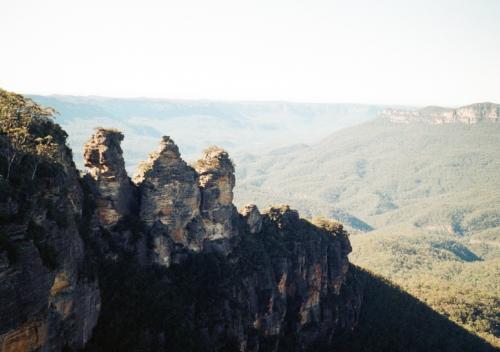 エコーポイントから見える奇岩「スリーシスターズ」