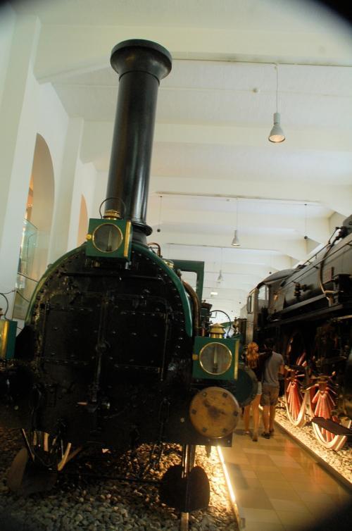 古い車両が展示されていた。