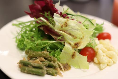 野菜は美味しかったし、このハニーマスタードのドレッシング激ウマでした