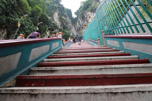 272段の階段を登る~