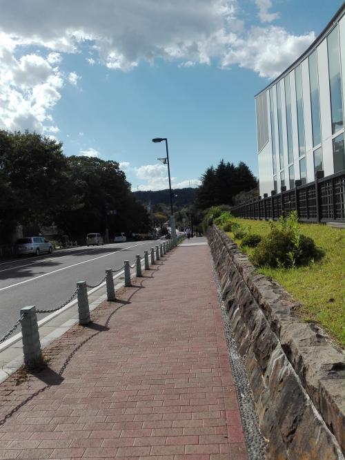 歩いて仙台城跡に向かった