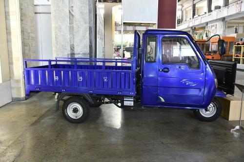 三大革命展示館に展示してあるMADE IN 北朝鮮の三輪車