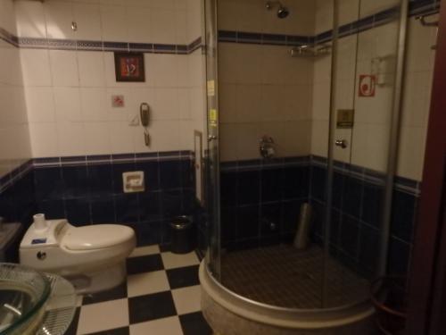 バスタブはありませんが、シャワールームは独立しています。