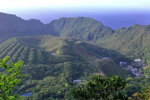 青ヶ島の最高の景色「大凸部」到着、登り口からゆっくりで20分程かかりました。