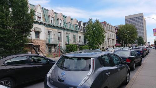 この辺はホテル街でした。<br />海外のホテルは有名チェーンも快適ですが、町中にあるホテルも魅力的ですよね♪