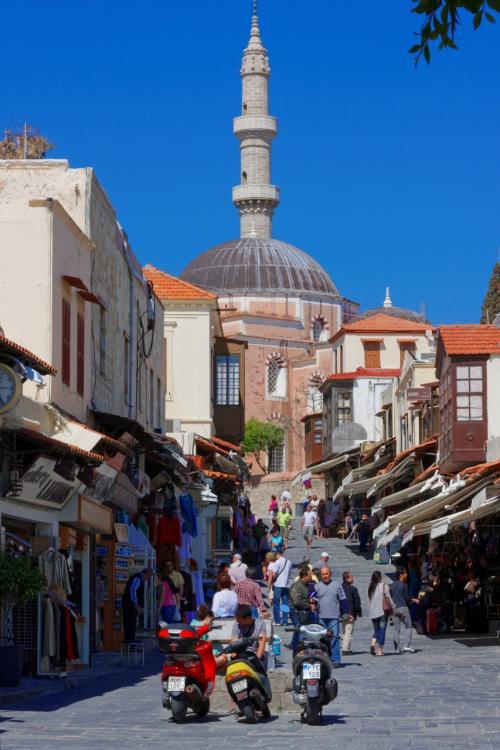 中世都市の高台のモスク