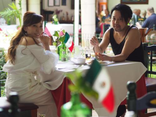 チチェンイッツァ遺跡プライベートツアーでご案内しますレストランでの一コマ。<br /><br />メキシコ料理の中でもユカタン料理を特におすすめしています。