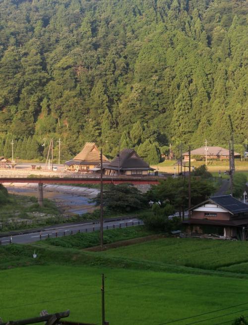 かやぶきの里 美山町北村<br /><br /> 高台からの眺望・・・なかなか、良い感じ・・・