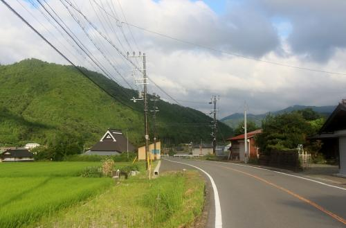 12号線 美山町<br /><br /> 美山の町は、結構広いのです・・・一つ、峠を越えても、まだまだ、美山町・・・ユース・ホステルも有ります。