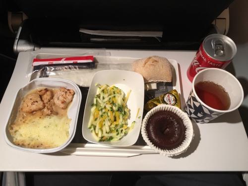 エールフランス初めてやったから、機内食楽しみにしてたけど、期待通り、普通に美味かった!