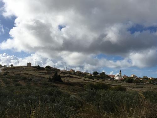 ☆Greece-Zakynthos★<br /><br />「ザキントス」<br />山越えするとVolumesの街に到着。