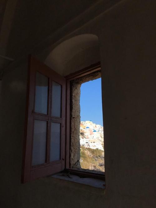 ☆Greece-Santorini-Oia★<br /><br />「イア」<br />城の内部を散策する。城内には教会もある。