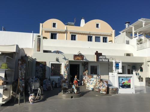 ☆Greece-Santorini-Oia★<br /><br />「イア」<br />ピノキオのいる土産屋。