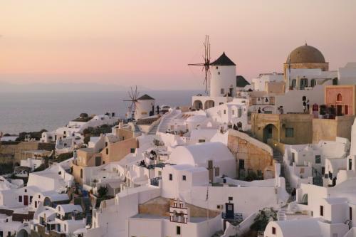 ☆Greece-Santorini-Oia★<br /><br />「イア」<br />刻々と空が色付き始め。美しくなっていく。